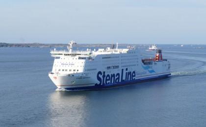 Stena Germanica naar vanaf de Jutlandica brug