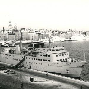 stenaline-geschiedenis-1965-stena-nordica-op-zee