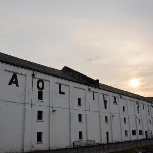 De distilleerderij van Caol Ila op het eiland Islay.
