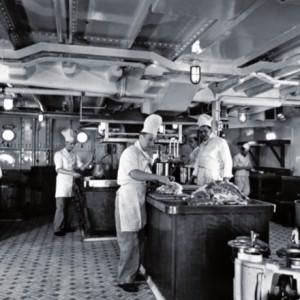 Een kijkje in de keuken van de ferry Koningin Emma