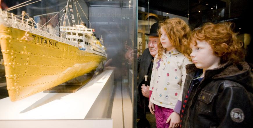Titanic replica in Ulster Museum Belfast, Ierland