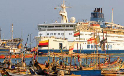 Africa Mercy van Mercy Ships in de haven