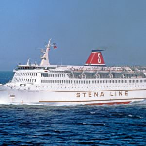 Stena Olympica op zee met blauwe lucht