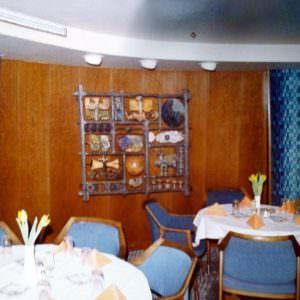 Stena Atlantica diner in restaurant