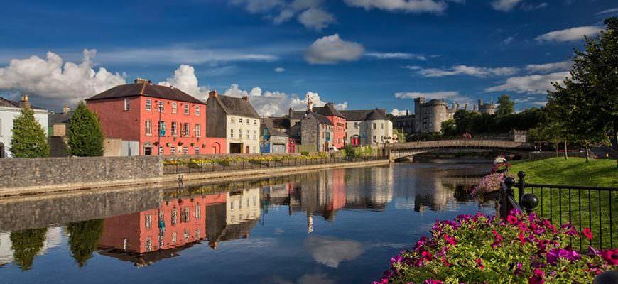 Kilkenny rivier Nore en Kilkenny Kasteel